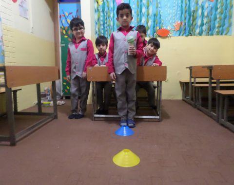 بازی حمل توپ در کلاس خانم خوشنودی